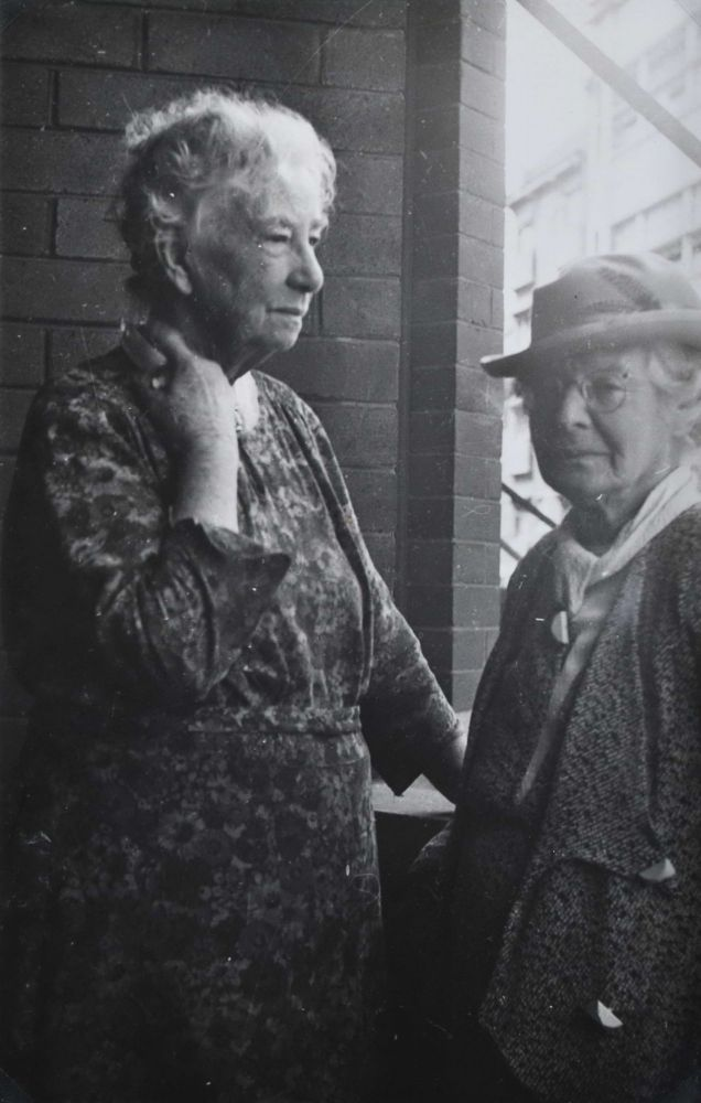 [Dame Mary Gilmore With Artist Ethel Carrick, Kings Cross]. Joshua Smith, Aust.