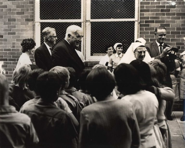[Prime Minister Robert Menzies At Far West Children's Health Scheme, Manly, NSW]. Beverley Clifford, active 1950s-1970s Aust.