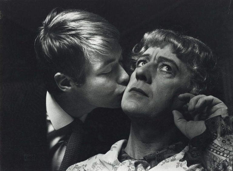 "[Sir Alec Guinness And Simon Ward In ""Wise Child""]. Lewis Morley, British/Aust."