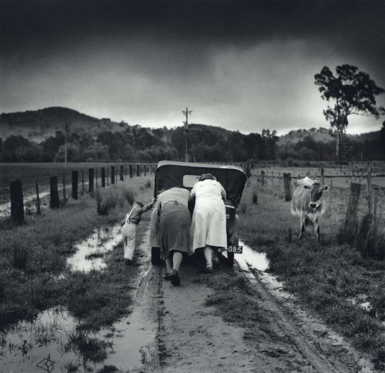 Tobacco Road, Ovens Valley [NSW]. Jeff Carter, 1928–2010 Aust.