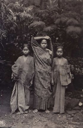 Group Portraits And Views In Makassar, Indonesia]. E. Becker