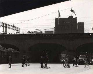 Central Station, Sydney, NSW]. Beverley Clifford, fl.1950s-1970s Aust