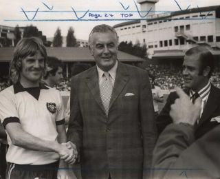 Former Socceroos Captain Peter Wilson And PM Gough Whitlam At Sydney Cricket Ground