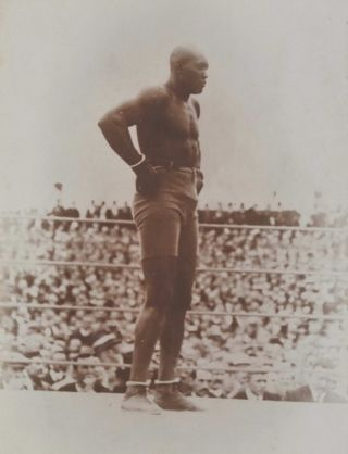 [World Heavyweight Championship Boxing Match Between Tommy Burns And Jack Johnson]