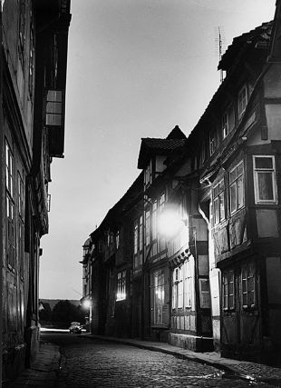 Dawn, Wendenstrasse [Hameln]. Heide Smith, b.1937 German/Australian