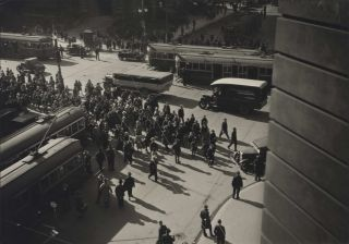 Business Crowd, Flinders Street, Melbourne. E O. Hoppé, British