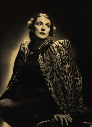 Lady Hannah Lloyd Jones]. Leonard Lee, active 1920s-30s Aust